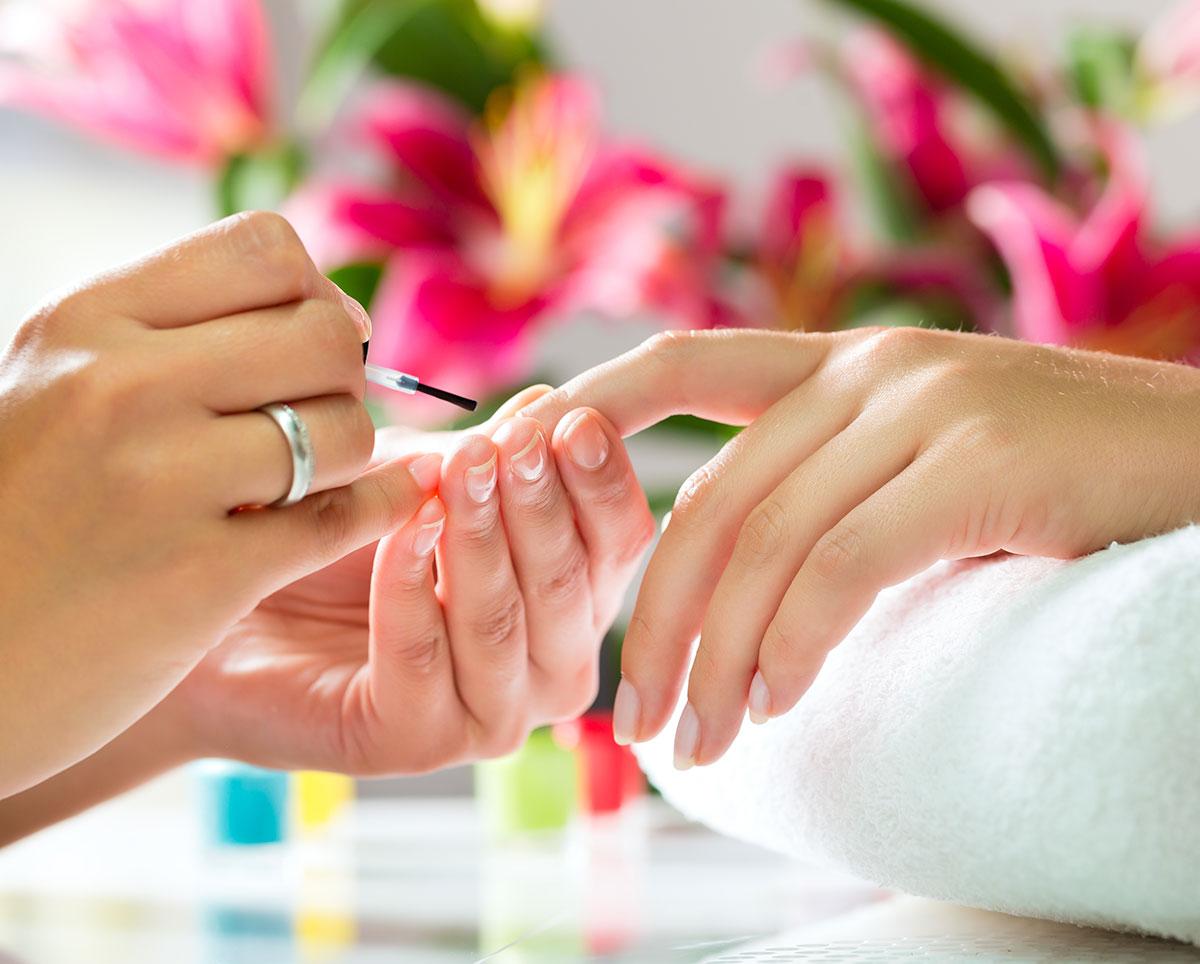 Gepflegte Fingernägel – ein wichtiger Aspekten für gepflegtes Auftreten